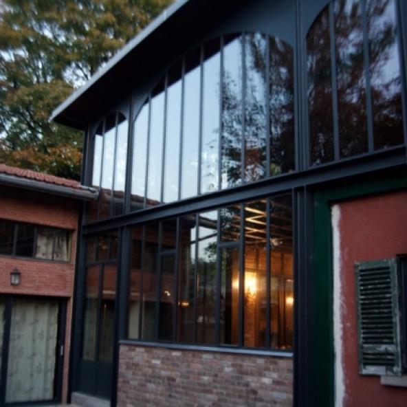 Extension en structure métallique de type atelier d'artiste à Saint-Gratien
