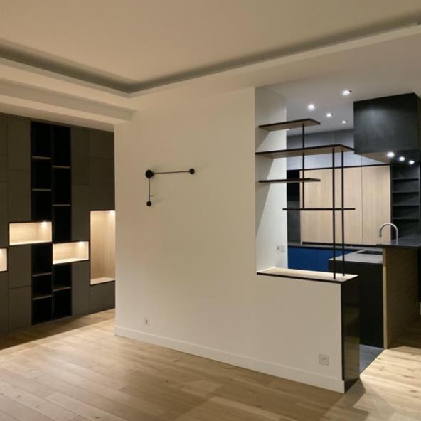 Rénovation complète d'un appartement de 90m2 mobilier sur mesure Loft Open-space